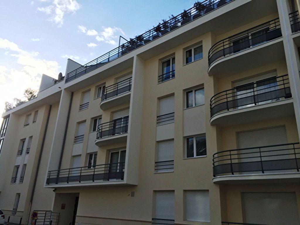 Appartement à louer 2 50.96m2 à Compiègne vignette-2