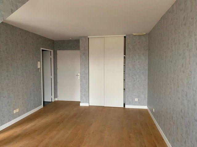 Appartement à louer 1 28m2 à Margny-lès-Compiègne vignette-5