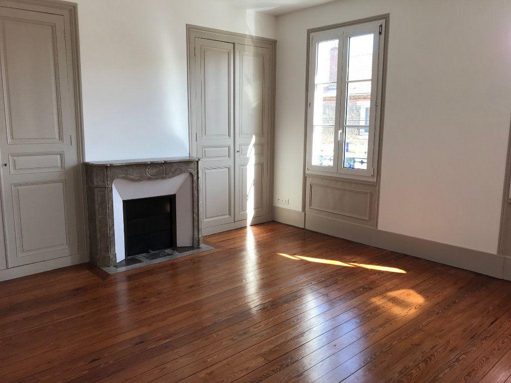 Appartement à louer 3 88.59m2 à Ribécourt-Dreslincourt vignette-2