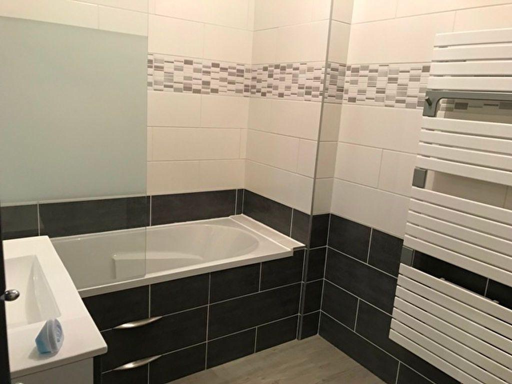 Appartement à louer 3 64m2 à Laberlière vignette-5