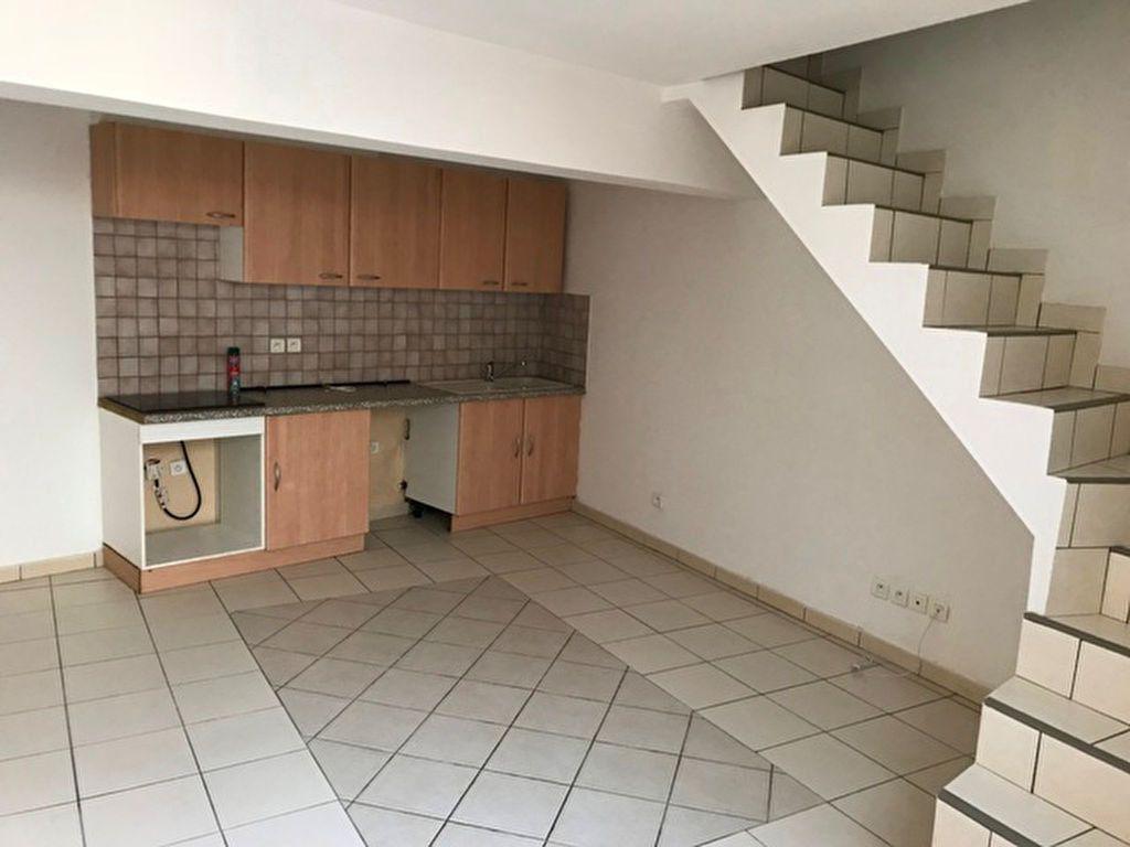 Appartement à louer 2 27.38m2 à Ribécourt-Dreslincourt vignette-1