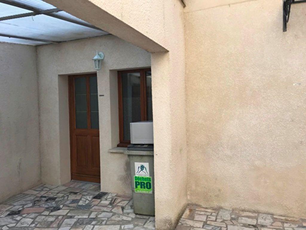 Appartement à louer 2 27.38m2 à Ribécourt-Dreslincourt vignette-3