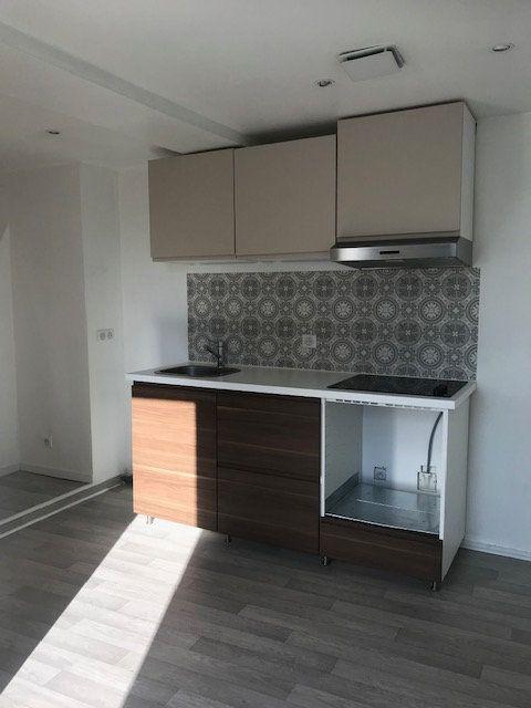 Appartement à louer 2 32m2 à Ribécourt-Dreslincourt vignette-3