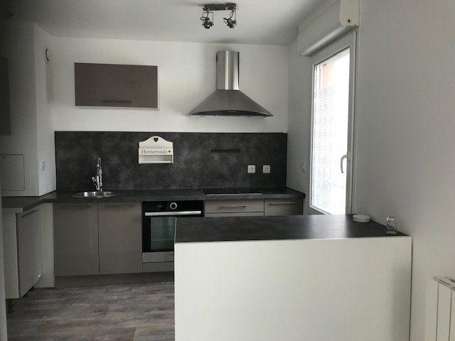 Appartement à louer 2 54.36m2 à Margny-lès-Compiègne vignette-3