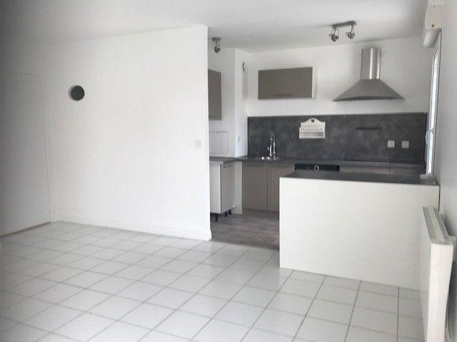 Appartement à louer 2 54.36m2 à Margny-lès-Compiègne vignette-4
