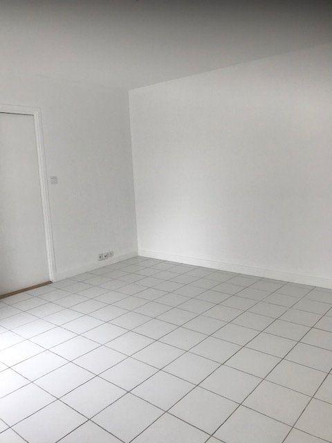 Appartement à louer 2 54.36m2 à Margny-lès-Compiègne vignette-6