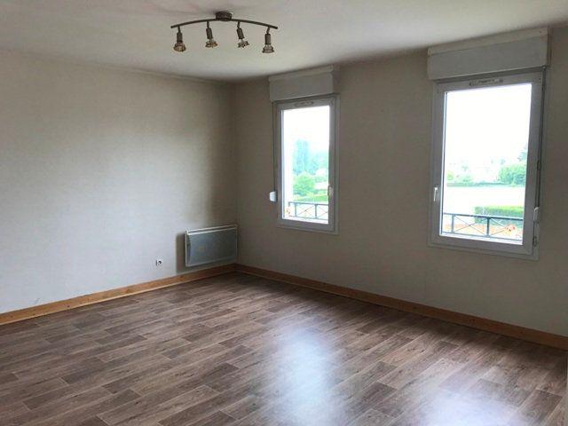 Appartement à louer 3 71m2 à Ribécourt-Dreslincourt vignette-3