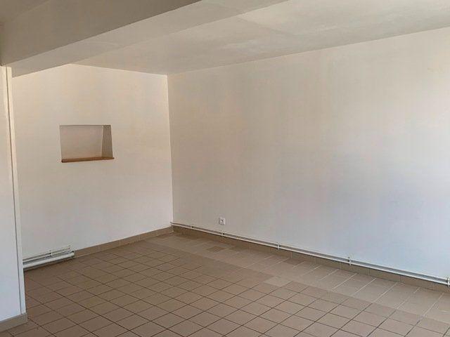 Maison à louer 3 93m2 à Monchy-Humières vignette-9