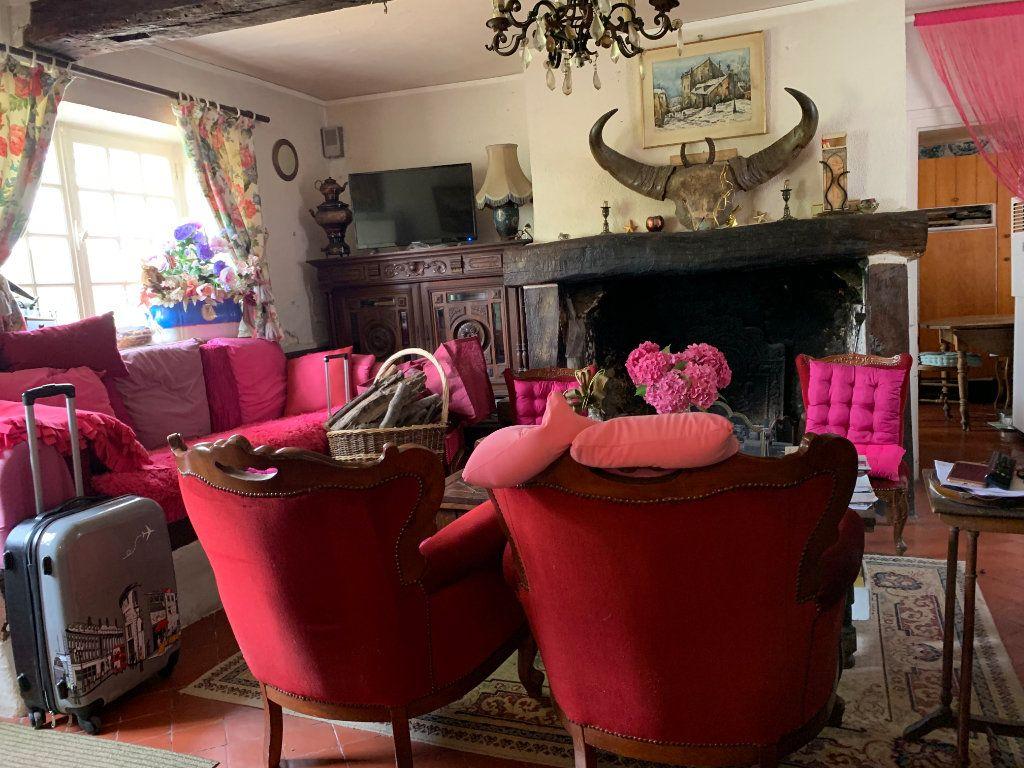 Maison à vendre 6 170m2 à Élincourt-Sainte-Marguerite vignette-3