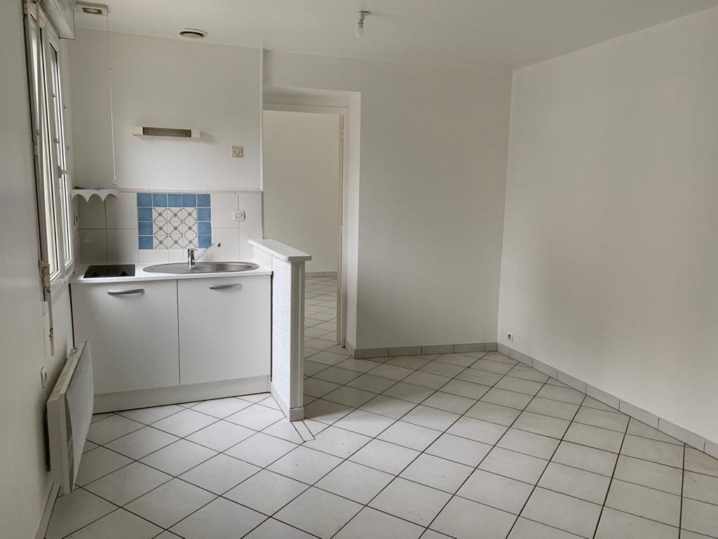 Appartement à louer 2 32m2 à Lassigny vignette-1