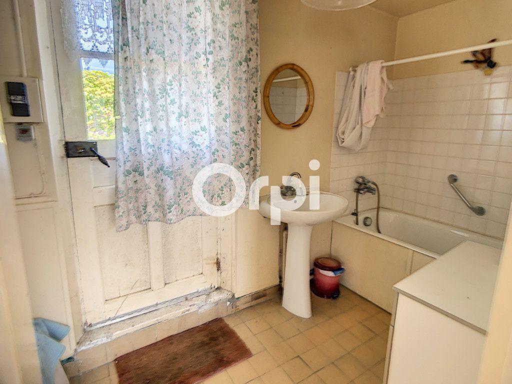 Maison à vendre 5 114m2 à Mareuil-la-Motte vignette-6