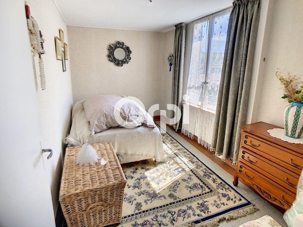 Maison à vendre 5 114m2 à Mareuil-la-Motte vignette-7