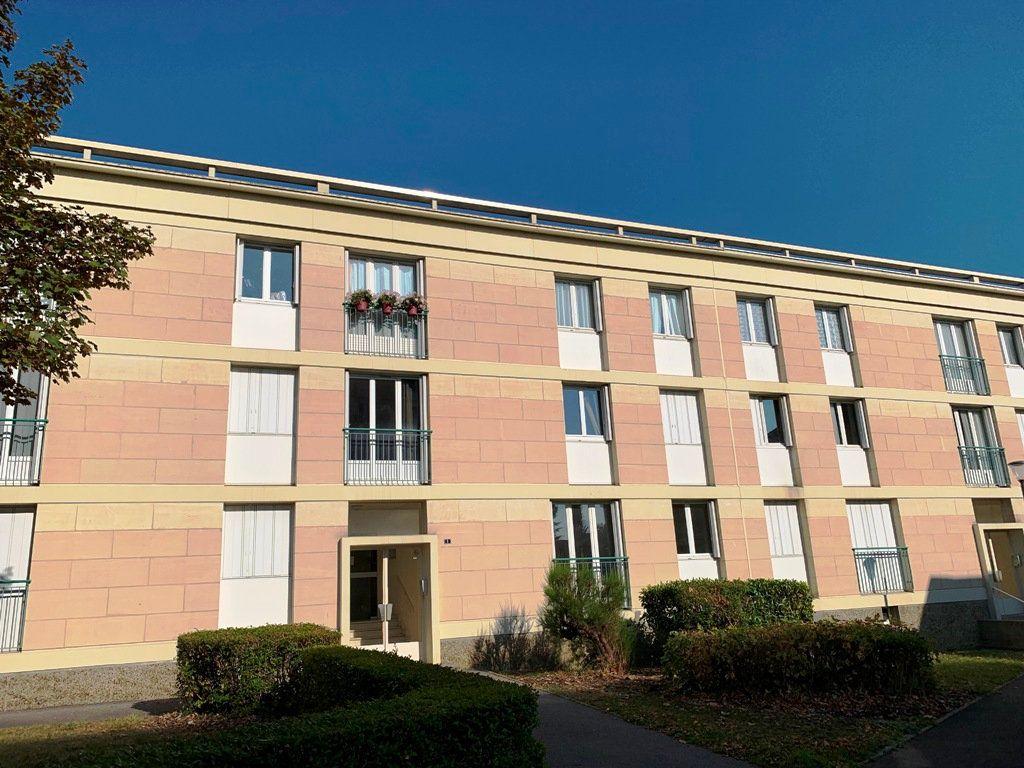 Appartement à louer 3 69.35m2 à Compiègne vignette-1