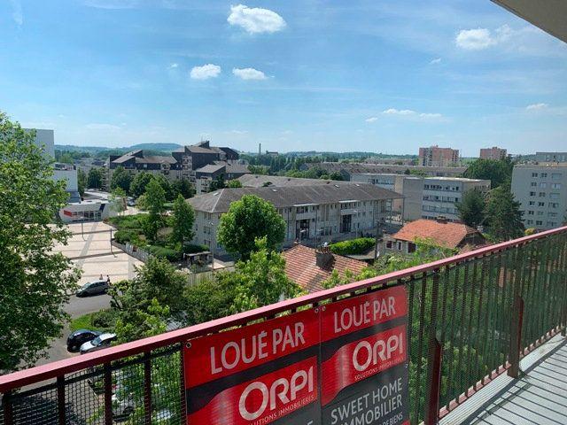 Appartement à louer 3 66.51m2 à Compiègne vignette-2