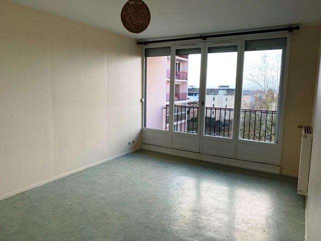 Appartement à louer 3 66.51m2 à Compiègne vignette-4