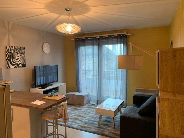 Appartement à louer 1 32m2 à Noyon vignette-1