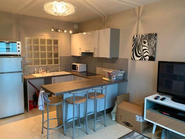 Appartement à louer 1 32m2 à Noyon vignette-3