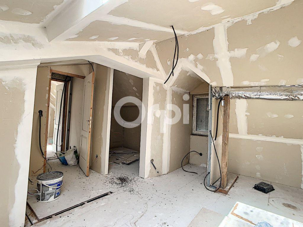 Maison à vendre 4 105m2 à Ressons-sur-Matz vignette-9