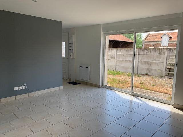 Appartement à louer 3 44m2 à Beuvraignes vignette-2