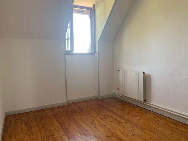 Maison à louer 3 145m2 à Cuvilly vignette-9