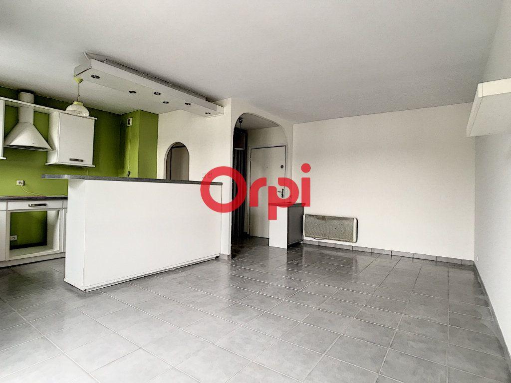 Appartement à louer 2 47m2 à Chantilly vignette-3