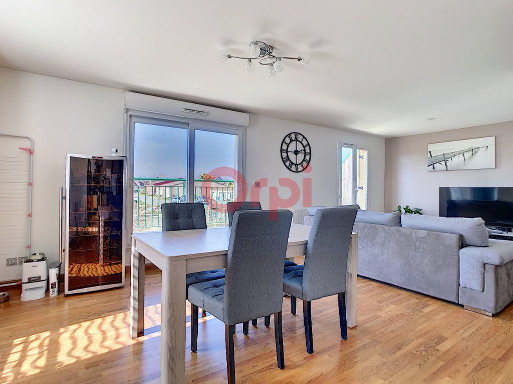 Appartement à vendre 3 70.3m2 à Saint-Leu-d'Esserent vignette-1