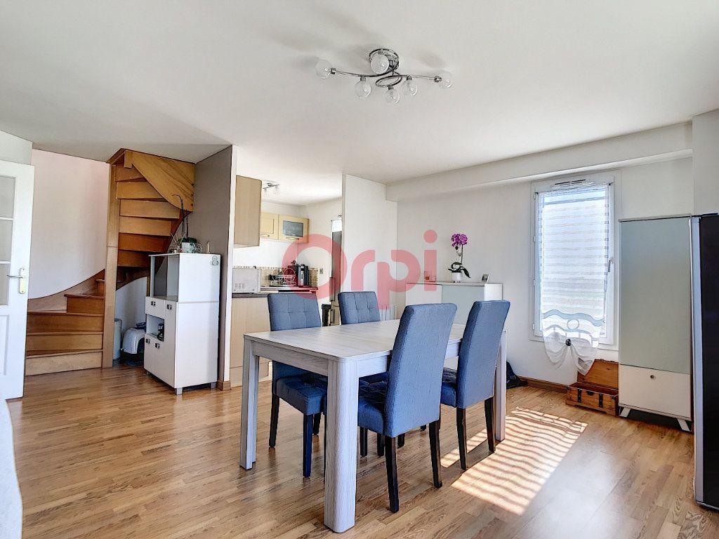 Appartement à vendre 3 70.3m2 à Saint-Leu-d'Esserent vignette-3