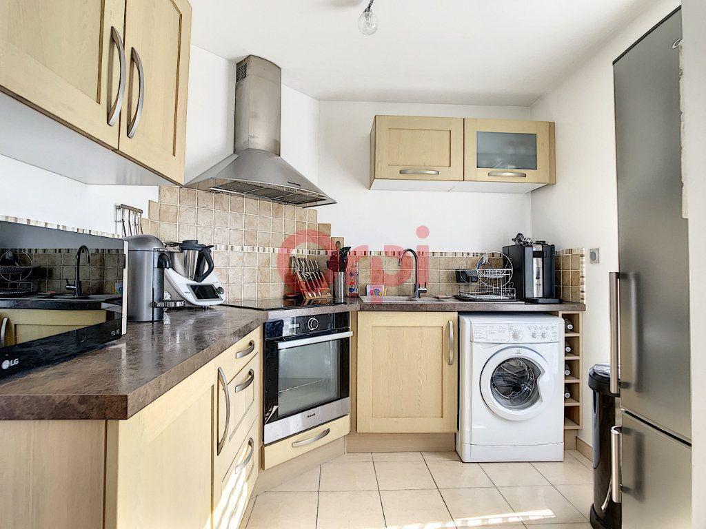 Appartement à vendre 3 70.3m2 à Saint-Leu-d'Esserent vignette-5