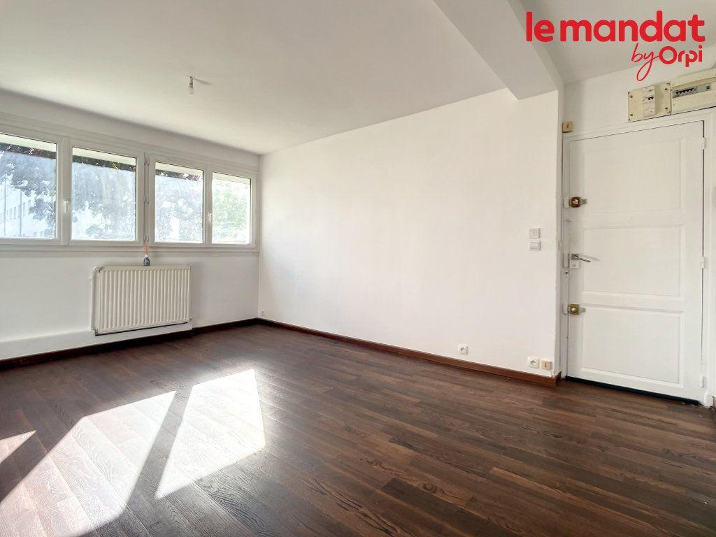 Appartement à vendre 3 54.16m2 à Chantilly vignette-1