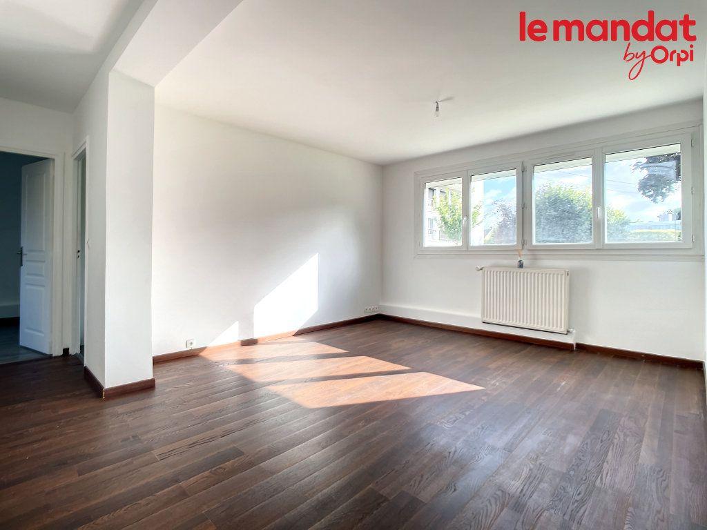 Appartement à vendre 3 54.16m2 à Chantilly vignette-2