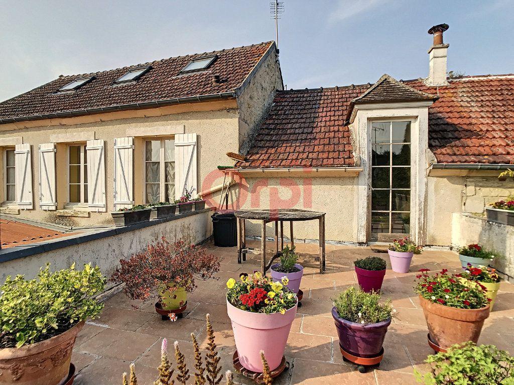 Maison à vendre 6 170m2 à Avilly-Saint-Léonard vignette-2