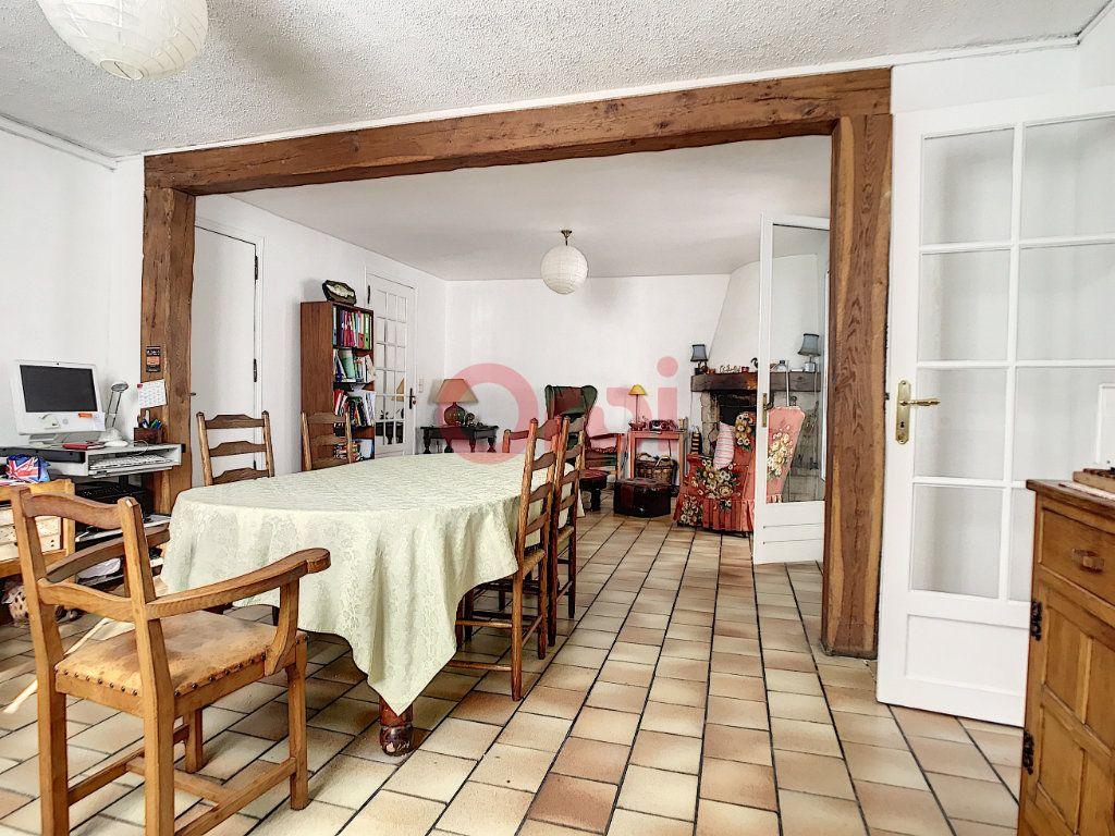 Maison à vendre 6 170m2 à Avilly-Saint-Léonard vignette-3