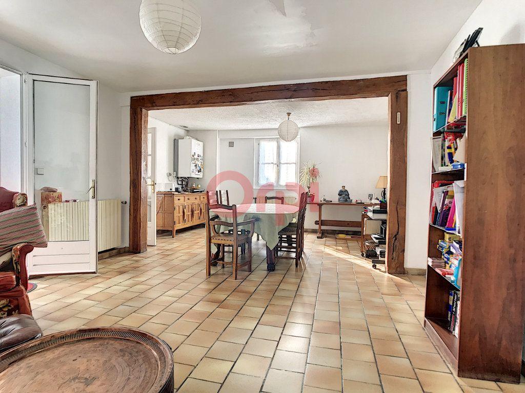 Maison à vendre 6 170m2 à Avilly-Saint-Léonard vignette-4