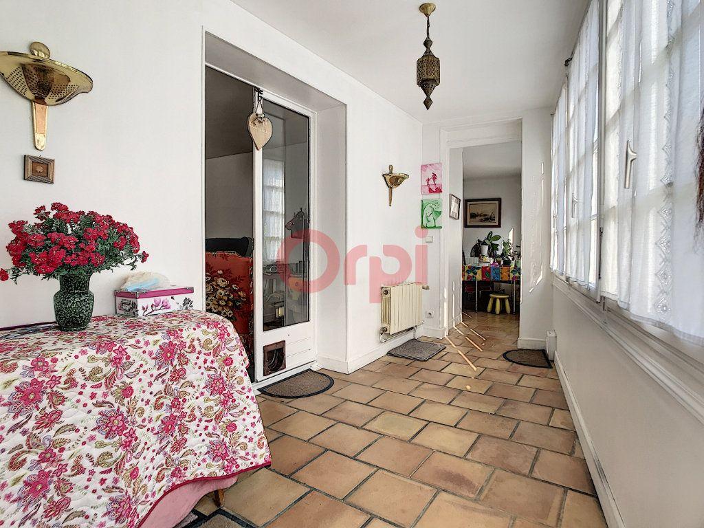 Maison à vendre 6 170m2 à Avilly-Saint-Léonard vignette-5