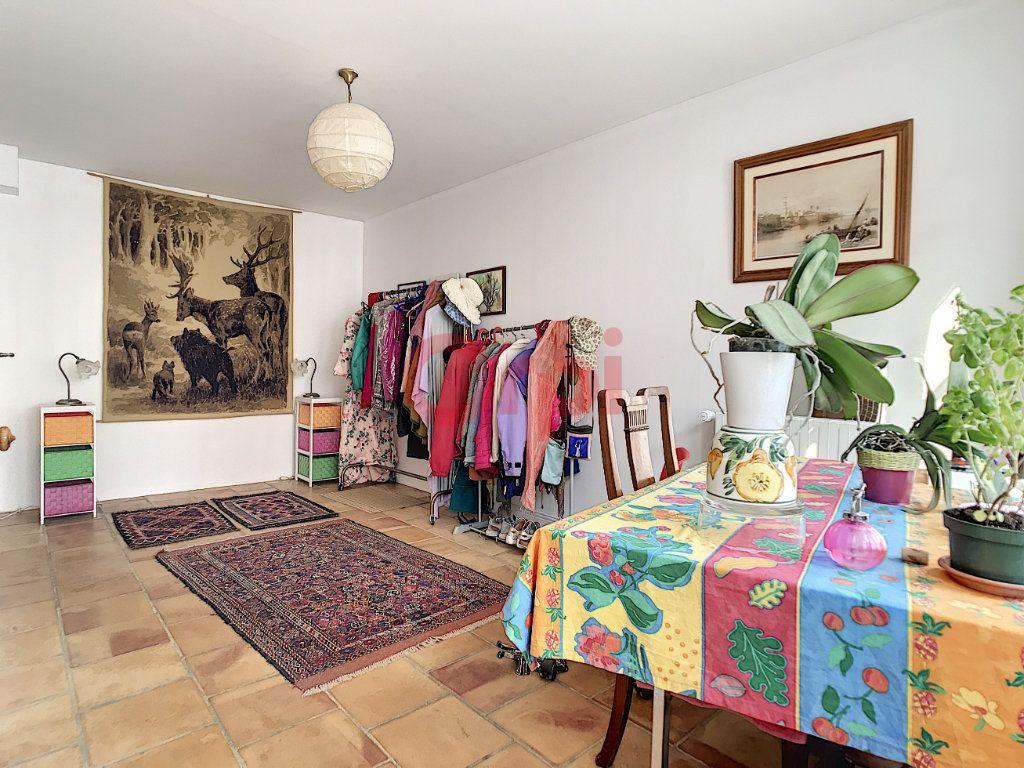Maison à vendre 6 170m2 à Avilly-Saint-Léonard vignette-7