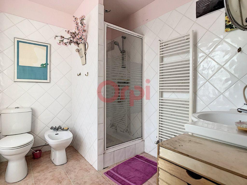 Maison à vendre 6 170m2 à Avilly-Saint-Léonard vignette-11