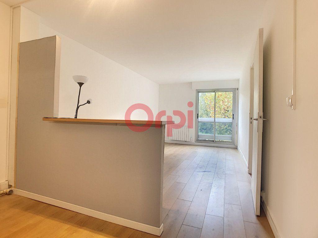 Appartement à louer 2 47.57m2 à Chantilly vignette-1