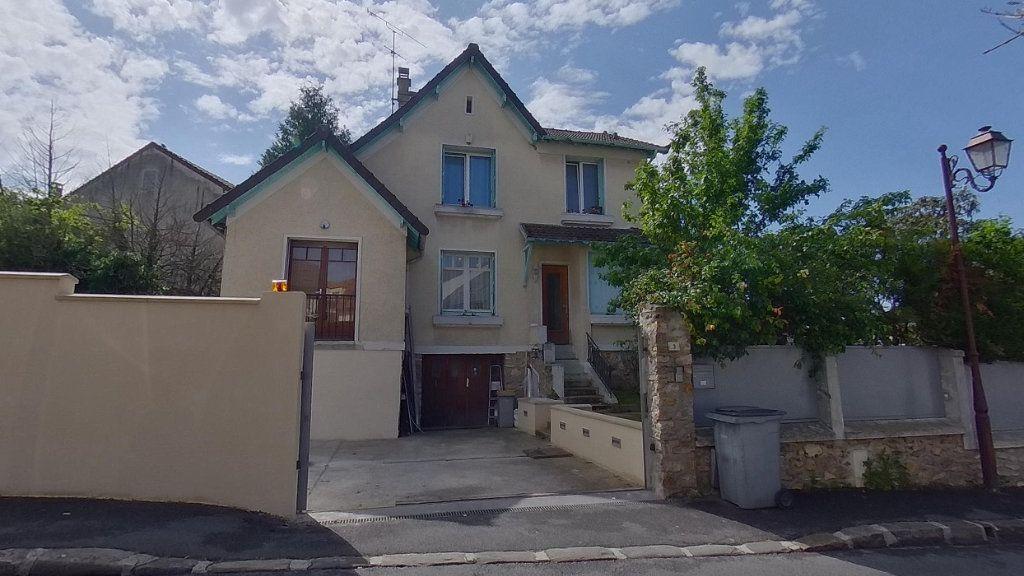 Maison à vendre 6 114.96m2 à Moisselles vignette-1
