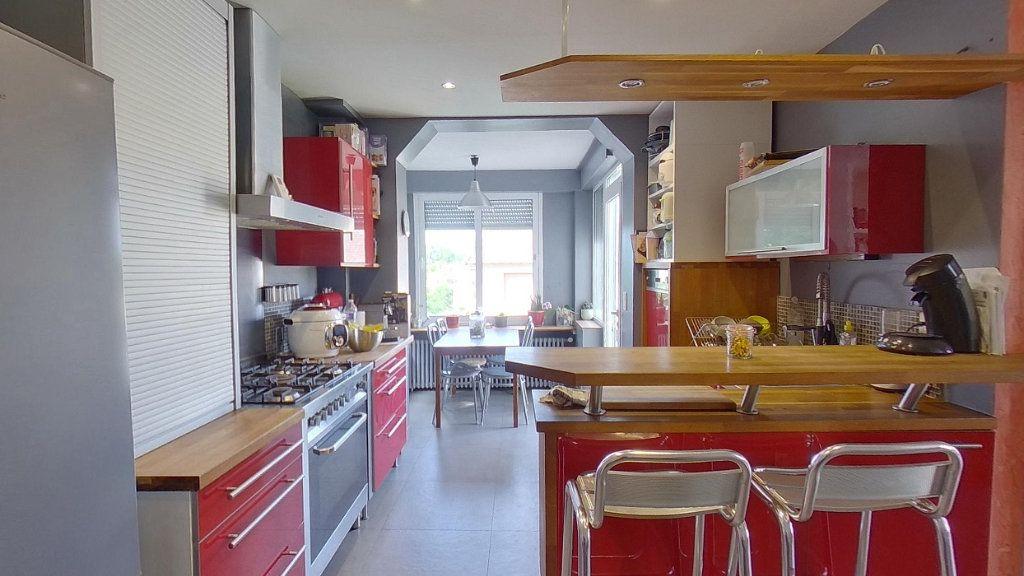 Maison à vendre 6 114.96m2 à Moisselles vignette-4