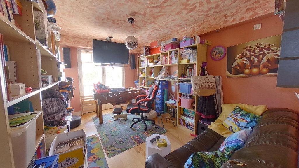 Maison à vendre 6 114.96m2 à Moisselles vignette-6