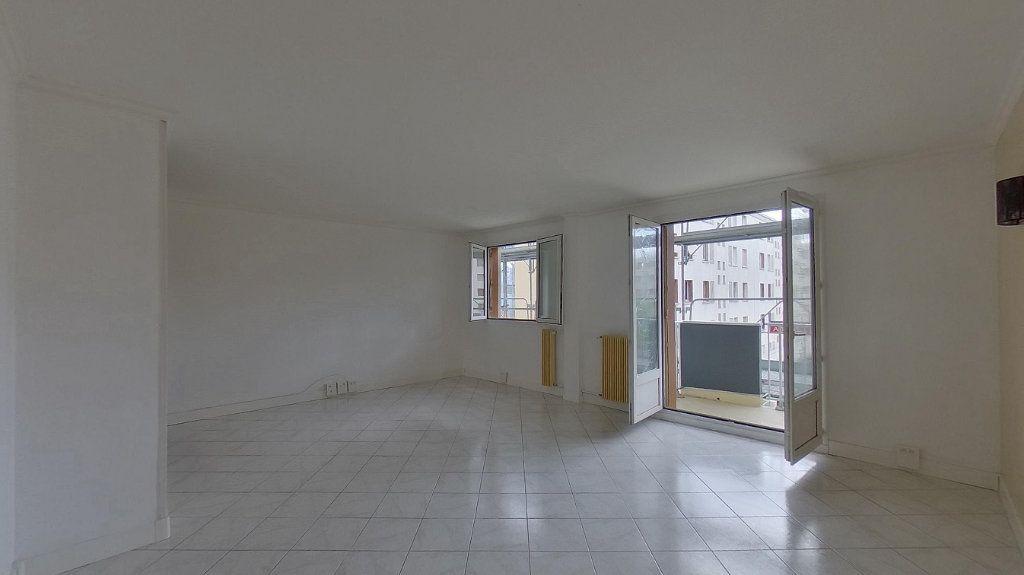 Appartement à vendre 4 70.02m2 à Domont vignette-1