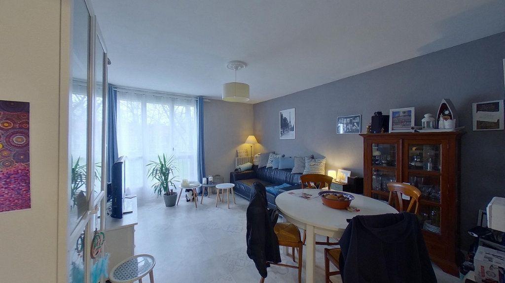 Appartement à vendre 4 66.89m2 à Ézanville vignette-1