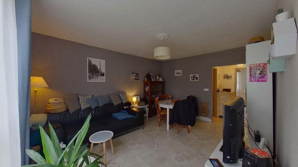 Appartement à vendre 4 66.89m2 à Ézanville vignette-2