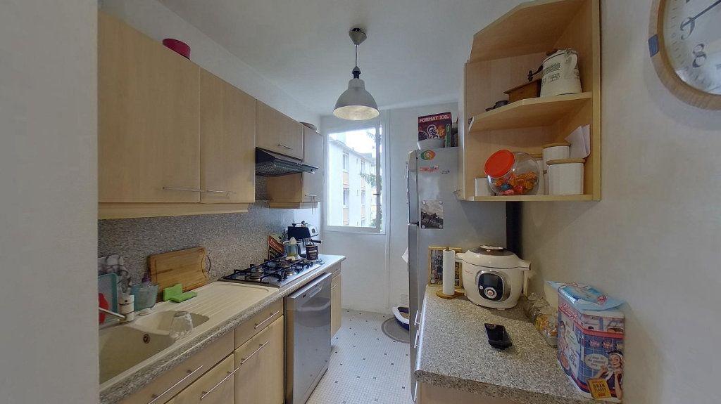 Appartement à vendre 4 66.89m2 à Ézanville vignette-3