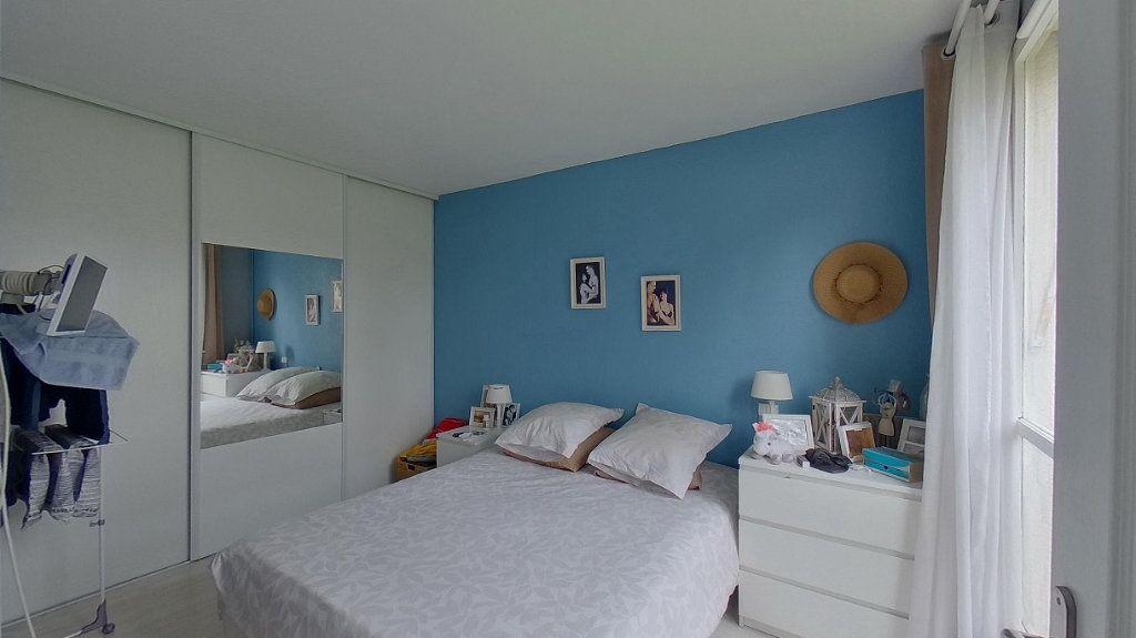 Appartement à vendre 4 66.89m2 à Ézanville vignette-4
