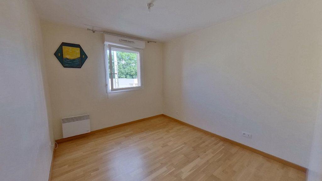 Appartement à louer 3 64.45m2 à Écouen vignette-6