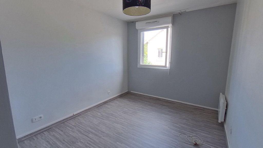 Appartement à louer 3 64.45m2 à Écouen vignette-7
