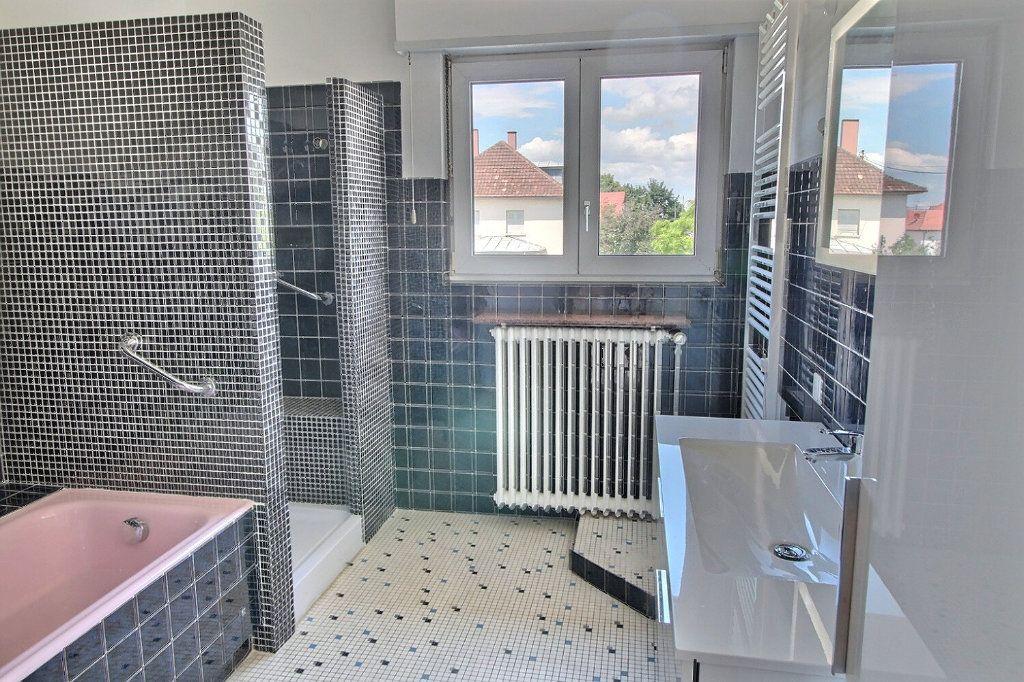 Appartement à louer 5 140m2 à Kingersheim vignette-4
