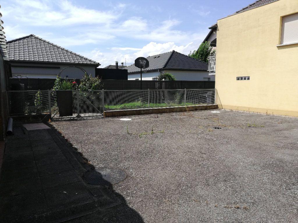 Appartement à louer 5 140m2 à Kingersheim vignette-8