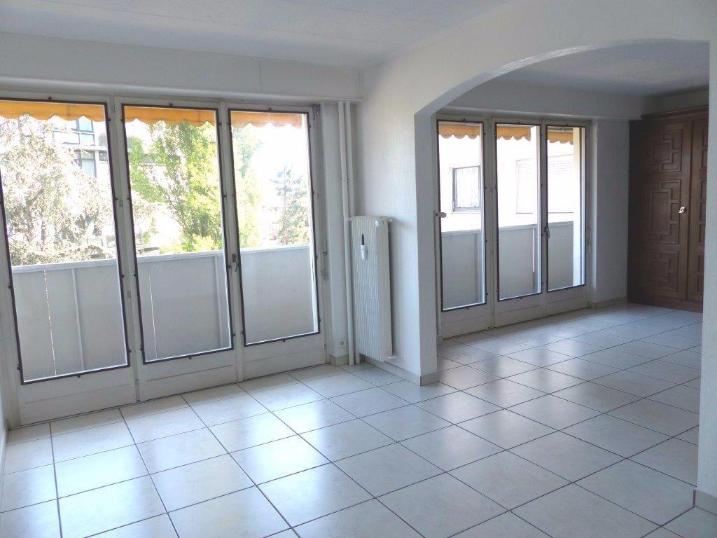 Appartement à louer 5 108m2 à Mulhouse vignette-1